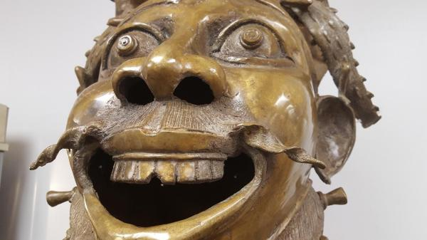 African Art Shares History Culture - Orlando Sentinel