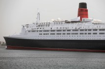 Britain' Famed Queen Elizabeth 2 Ship Hotel In