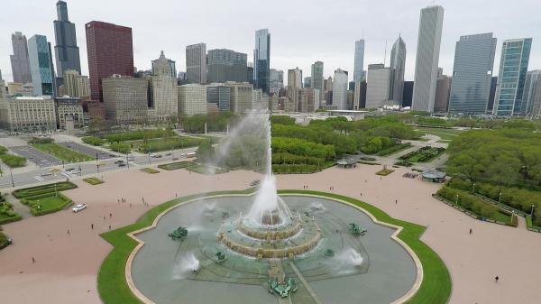 Buckingham Fountain Turns Season Sunday