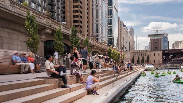 Summer 2018 Guide Chicago' Riverwalk - Redeye Chicago