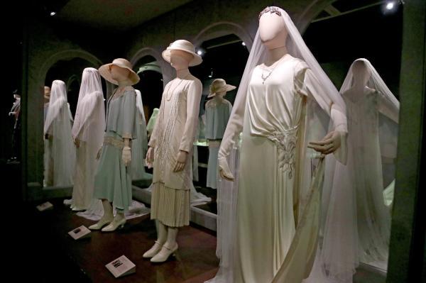 Peek 'downton Abbey' Exhibition In South
