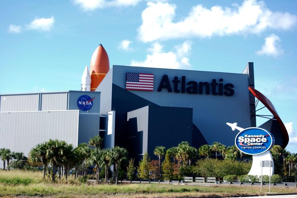NASA Visitor Center photo: Cyndi Lenz