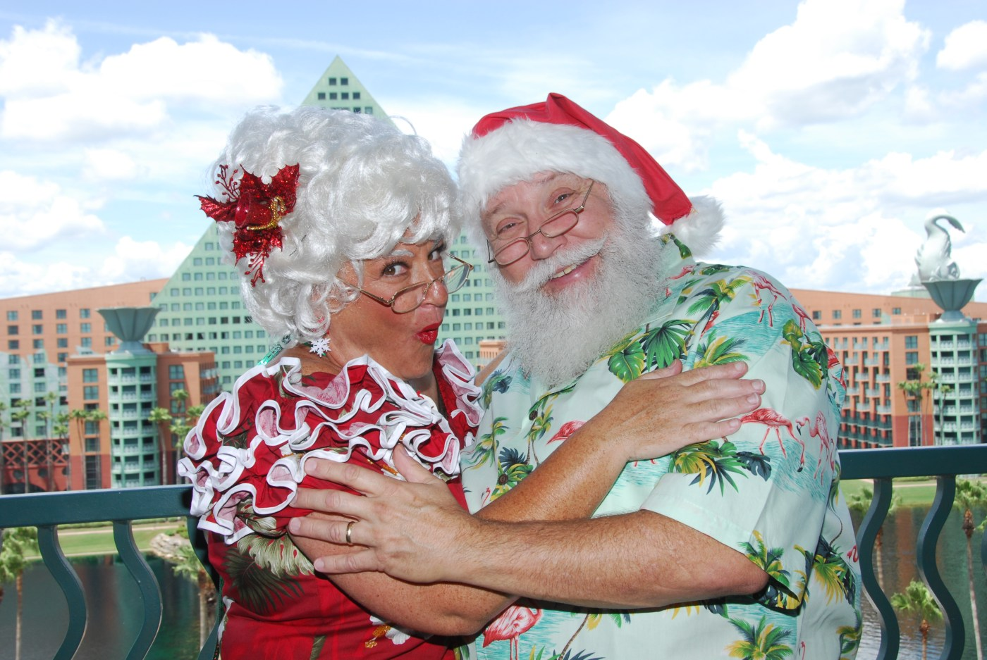 swan-and-dolphin-santa-claus-mrs-claus