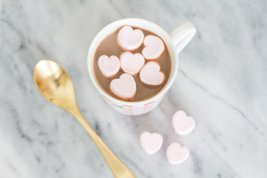 Crock-Pot Hot Chocolate, recipe, food blog, Treats and Trends, winter recipe