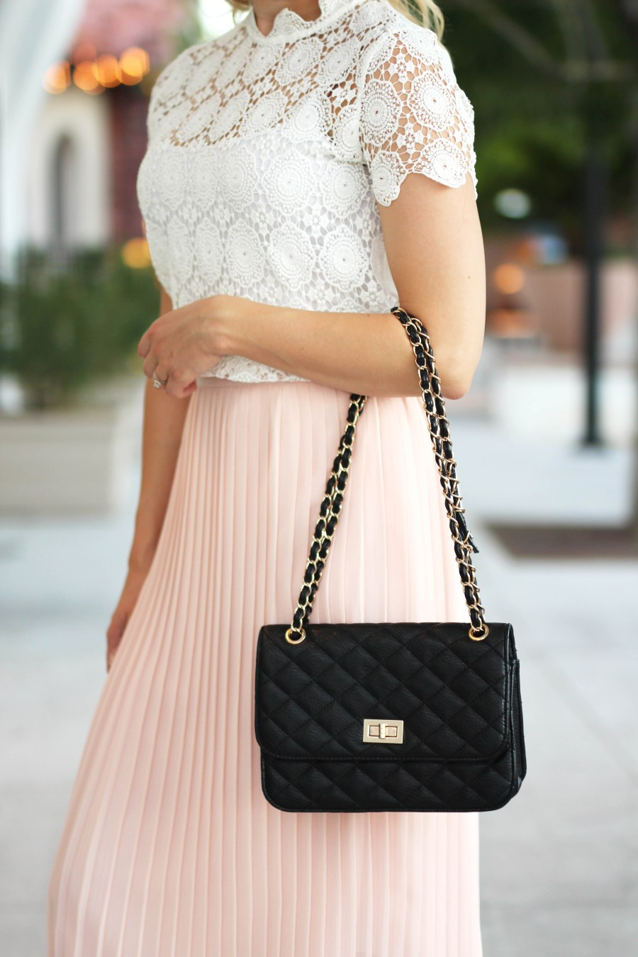 black-quilted-purse