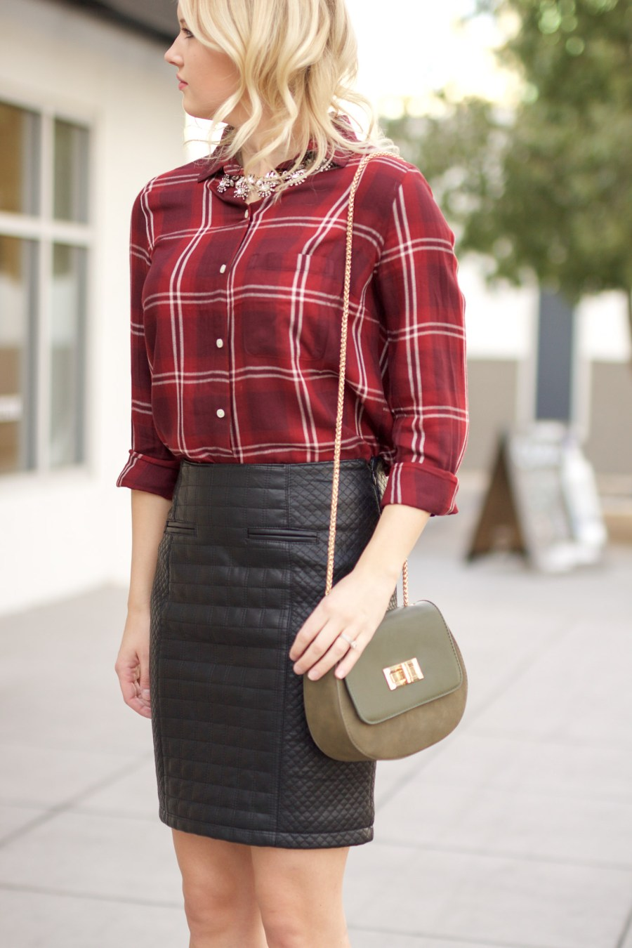Thanksgiving outfit idea, leather pencil skirt, fashion blog, Pinterest outfit, statement necklace, Treats and Trends, Jamie Kamber