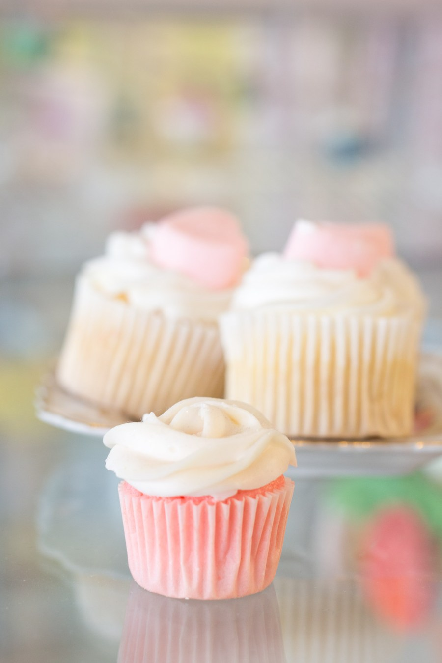 5 Tips For Baking Mini Cupcakes With Cupkates Treats And