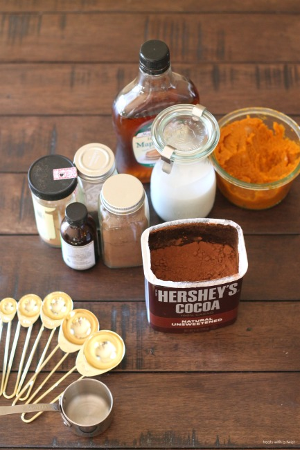 Pumpkin Hot Cocoa // treatswithatwist.com