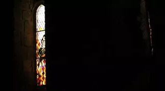 A picture of a stained glass wndow