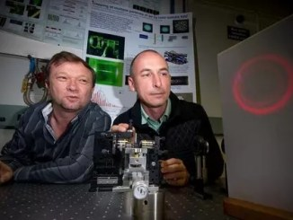 ANU tractor beam scientists by Stuart Hay/ANU