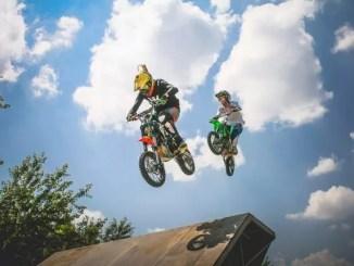 motocross by Viktor Hanacek