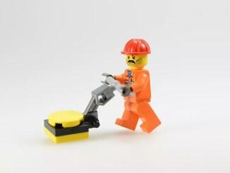 lego worker by blickpixel