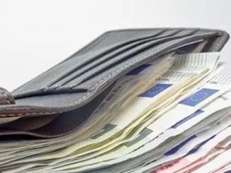 money by blickpixel