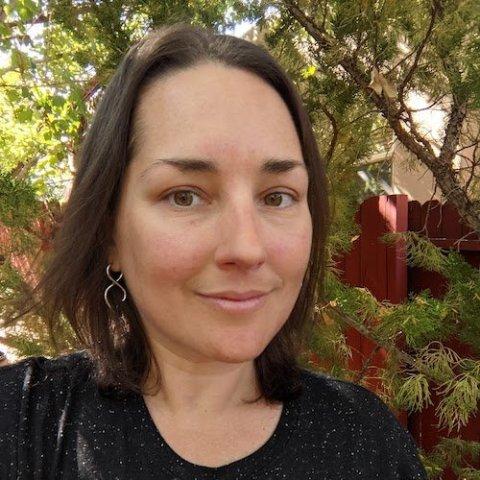 Lauren Kahn headshot