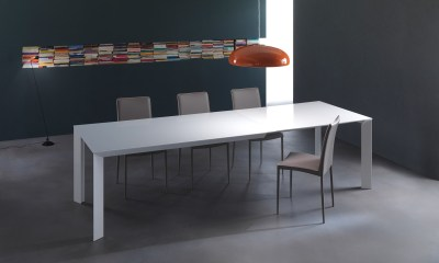 Ultimate and Modern Italian Design dining chair VANESSA by Riflessi-lacquered-wooden-table-manhattan-riflessi-detail-2