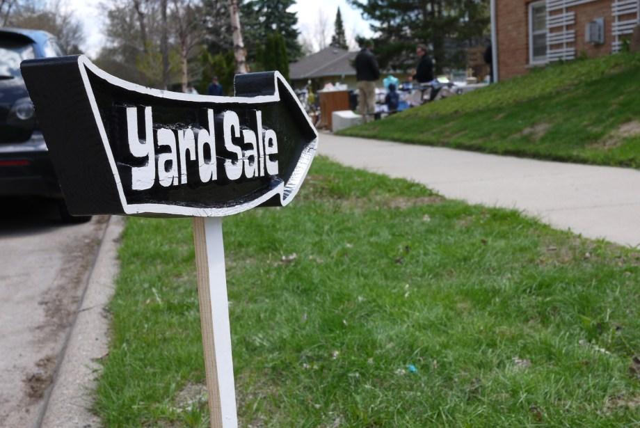 Yard sale 032