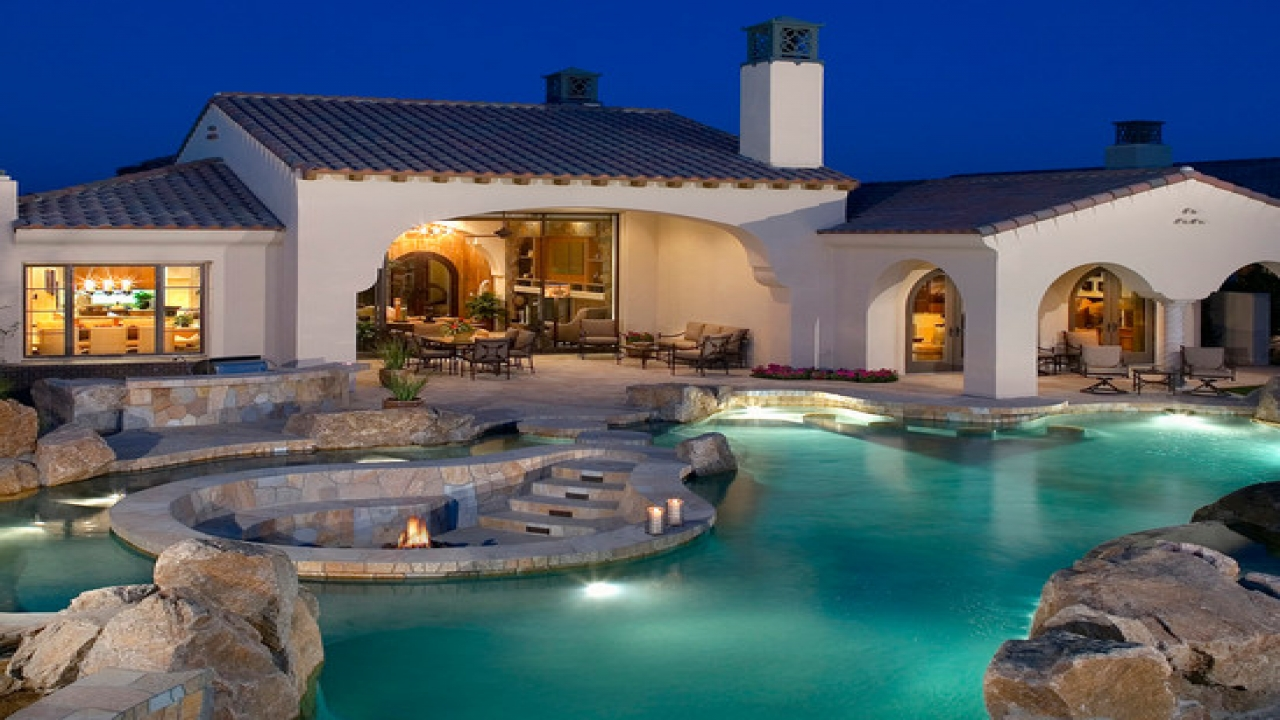 Pool With Fire Pit In Middle Fire Pit Hot Tub