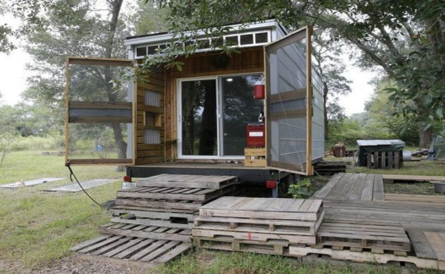 Tiny House Floor Plans Tiny House Made Out Of Recycled