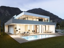 Modern Japanese House Design In Italy