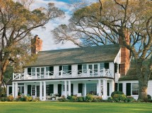 Colonial Revival Style Homes