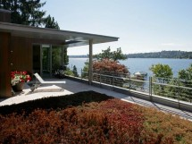Modern Waterfront House Designs