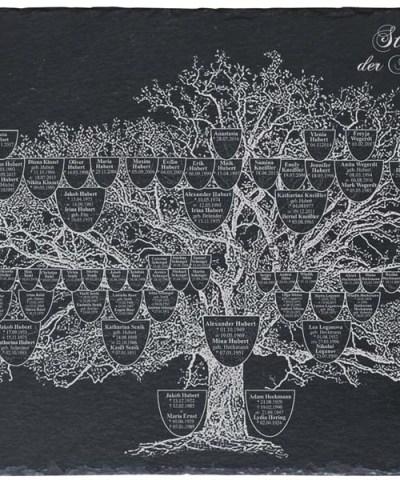 Stammbaum auf Schieferplatte mit Gravur