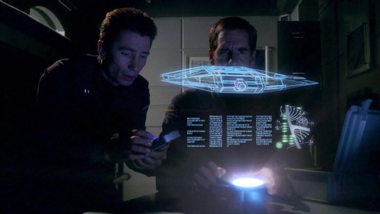 Reed e Archer no quarto de Daniels