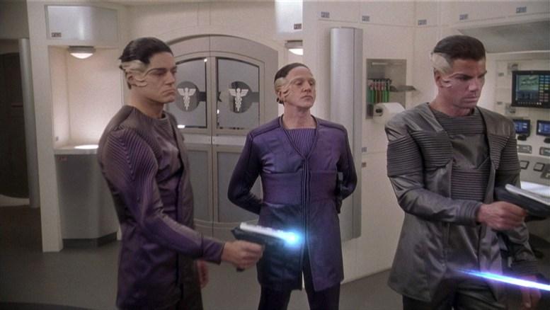 Mazaritas na enfermaria da Enterprise