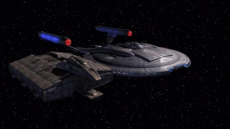 Cargueiro alienígena pedindo auxílio a Enterprise