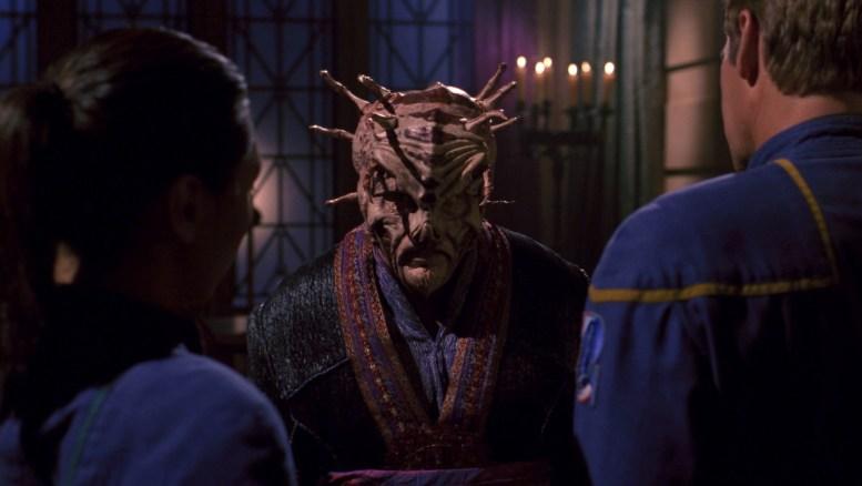 Hoshi e Archer encontram Tarquin, um alienígena exilado