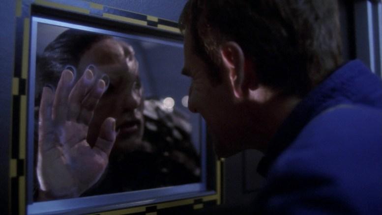 Archer ameaça osaariano na comporta da Enterprise