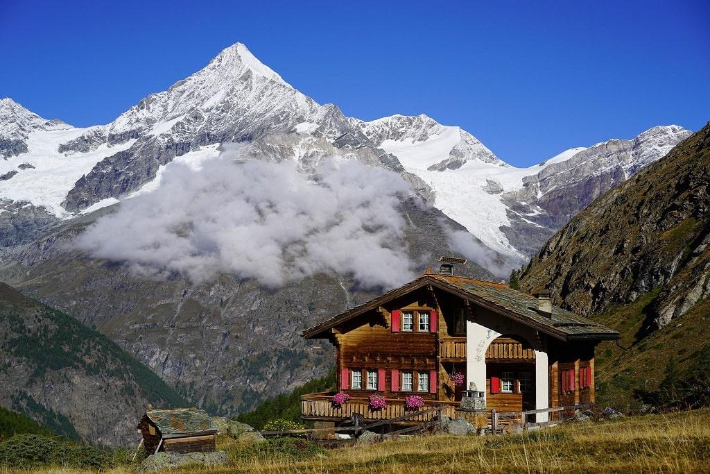 refuge sur le Tour du Mont Blanc, été 2021
