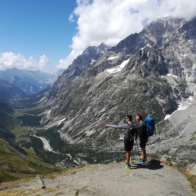 Guide d'agence de randonnée Tour du Mont Blanc