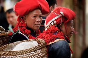 Red Dzao women in the market