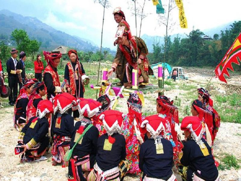 The-top-6-most-impressive-festivals-in-Sapa6
