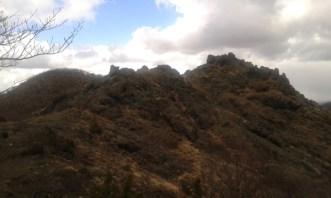 La cima rocciosa del Monte Binaghè