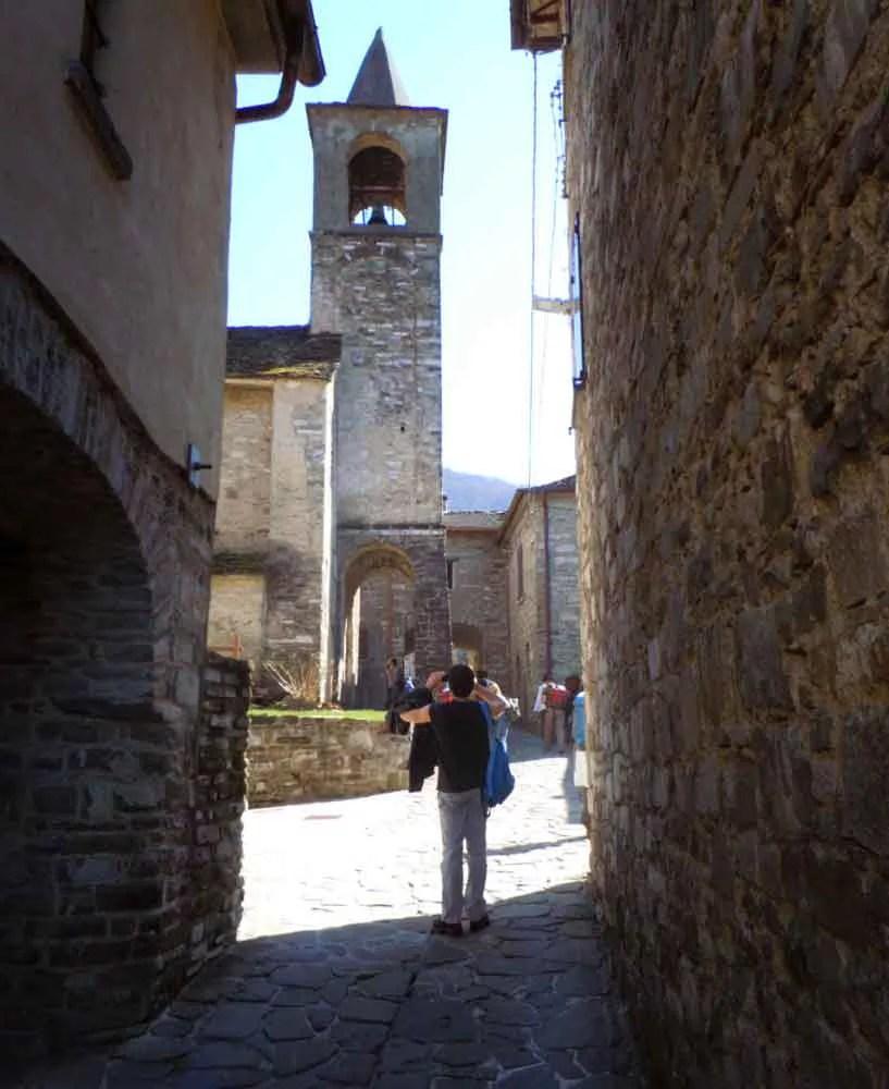 Il caratteristico campanile di Corchia