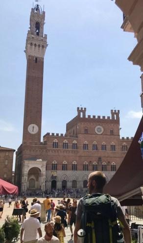 L'arrivo in Piazza del Campo a Siena