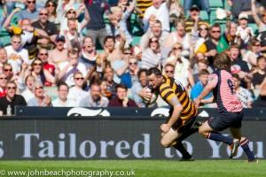 Cornwall-25 Lewis Vinnicombe scores v Lancs