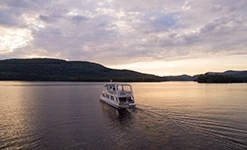 Cruise on Lake Tremblant