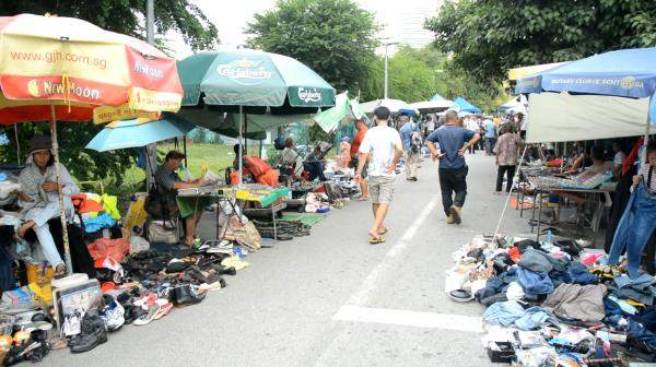Elderly Sungei Road vendors left to fend for themselves?