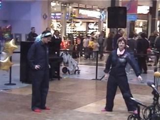 RnR, Mall of America, 2000