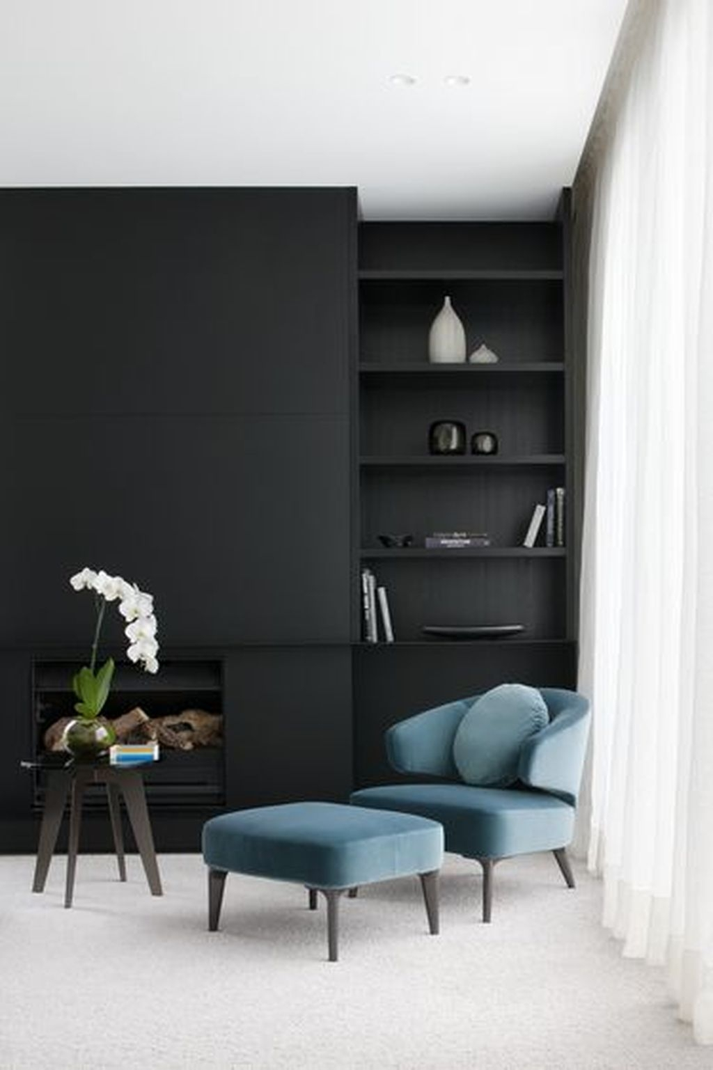 Best Living Room Ideas With Black Walls 47