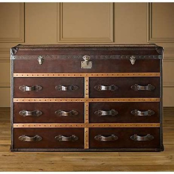 Ideas To Decorate Your House With Vintage Chests And Trunks 43