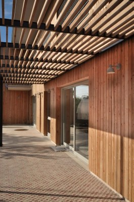 Charming And Minimalist Wooden House 02