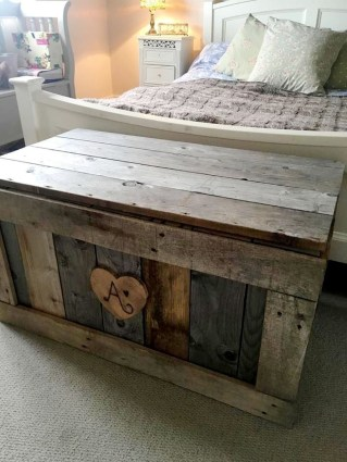 Adorable Crafty Diy Wooden Pallet Project Ideas 24
