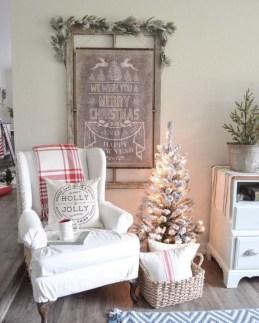 Adorable White Christmas Decoration Ideas 02