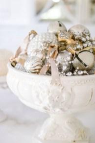 Adorable White Christmas Decoration Ideas 20
