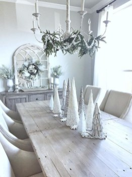 Adorable White Christmas Decoration Ideas 30