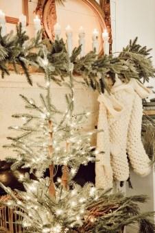 Adorable White Christmas Decoration Ideas 50